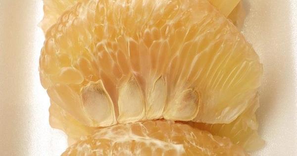 Bài thuốc 2: Dùng hạt bưởi chữa tiểu bí 1